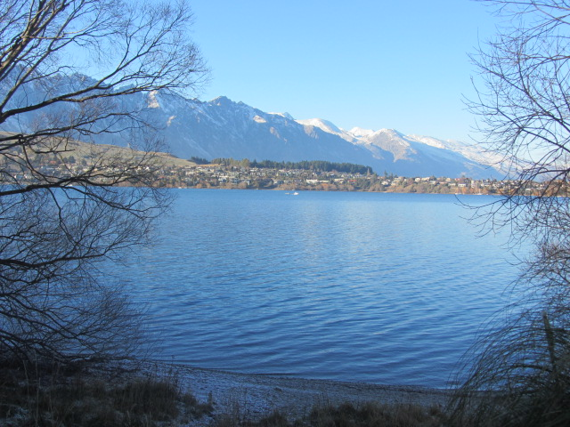A picture of the gorgeous Lake Wakatipu in Queenstown, New Zealand.