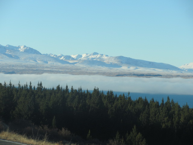 A picture of Lake Pukaki on the road towards Mt Cook in New Zealand.