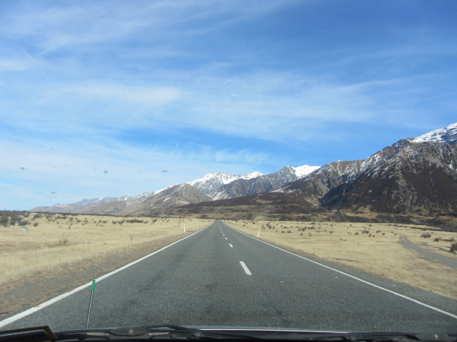 A picture of the road coming down from Mt Cook in New Zealand.