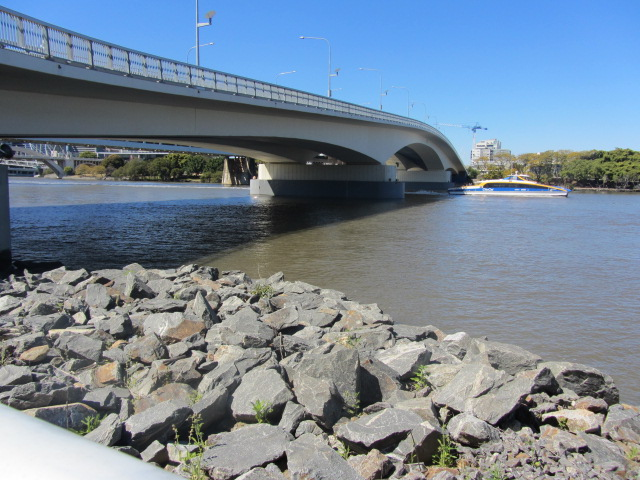 A picture of the Go-Between Bridge in Brisbane.