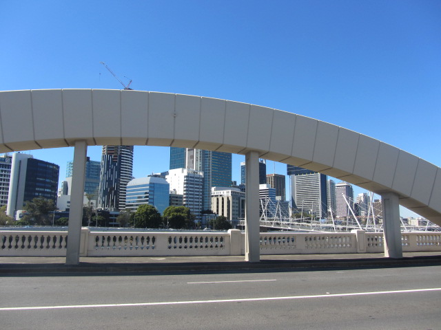 A picture of one of the concrete arches on the William Jolly Bridge in Brisbane.