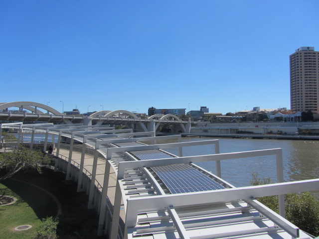 A picture of the solar panels on the roof of the Kurilpa Bridge in Brisbane.