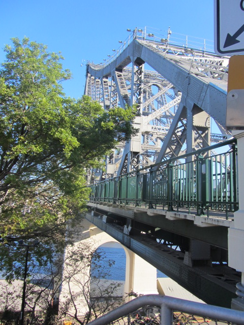 A picture of part of the Story Bridge in Brisbane.