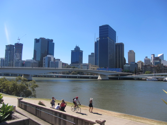 A picture of part of the Victoria Bridge in Brisbane.