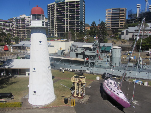 A picture of the Maritime Museum from the Goodwill Bridge in Brisbane.